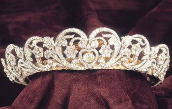 Tiaras: Why They're the Perfect Accessory for Quinceañera